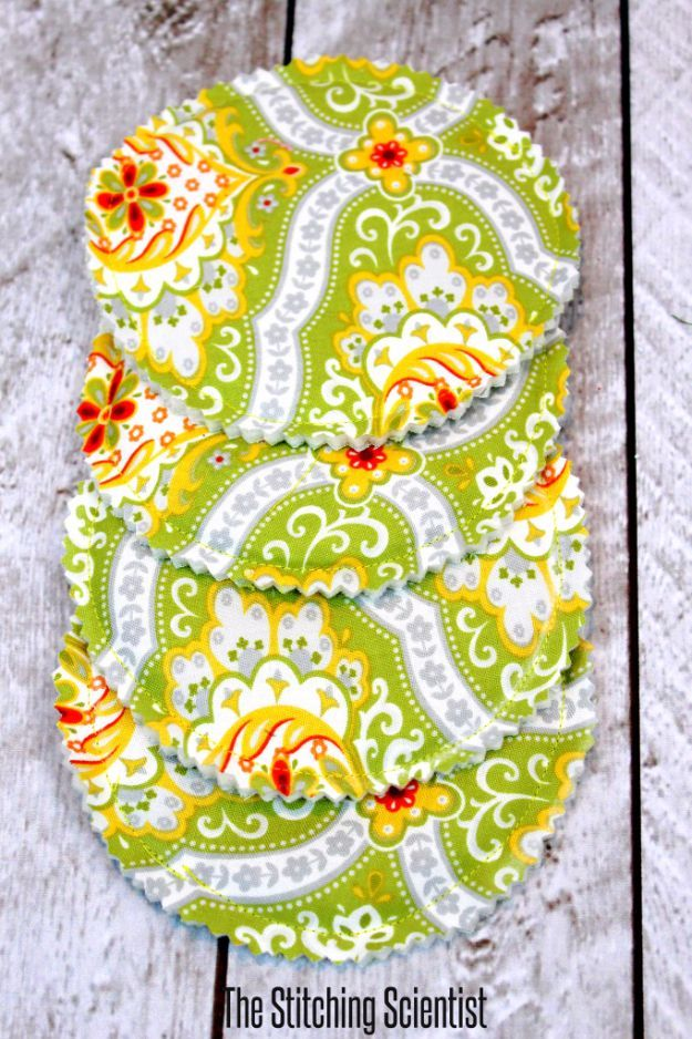 DIY Sewing Projects for the Kitchen – Easy Reversible Drink Coaster – Easy Sewin…