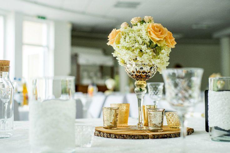 dekoration tischdeko gold holz rustikal hochzeit blumen kerzen weddingtable. Black Bedroom Furniture Sets. Home Design Ideas