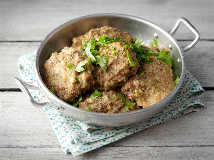 Jauhelihamureketaikinasta voit tehdä lihapullat ja -pihvit sekä murekkeen. Mureketaikinaa on helppo varioida oman maun mukaan.