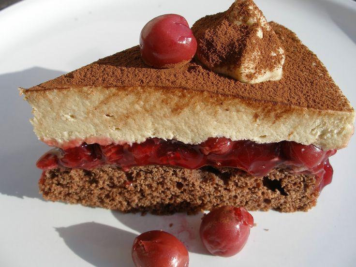 V kuchyni vždy otevřeno ...: Cappuccinový dort s třešněmi