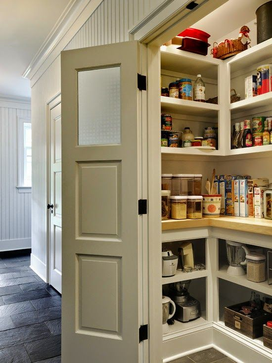 spiskammer | Og nå som kjøkkenet skulle pusses opp, var det lenge en diskusjon om ...