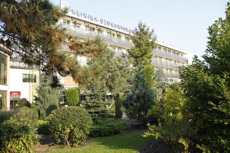 """Klinika Uzdrowiskowa """"Pod Tężniami"""" #sanatory #ciechocinek #poland #salt #health #park #garden"""