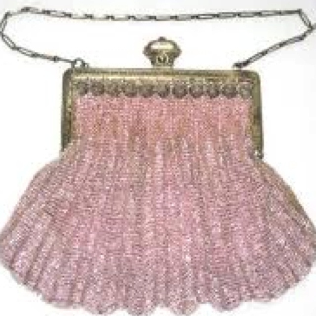 Pink vintage beaded bag.  /Provenance unknown.  Not uploaded by this pinner.  Image may be subject to copyright./