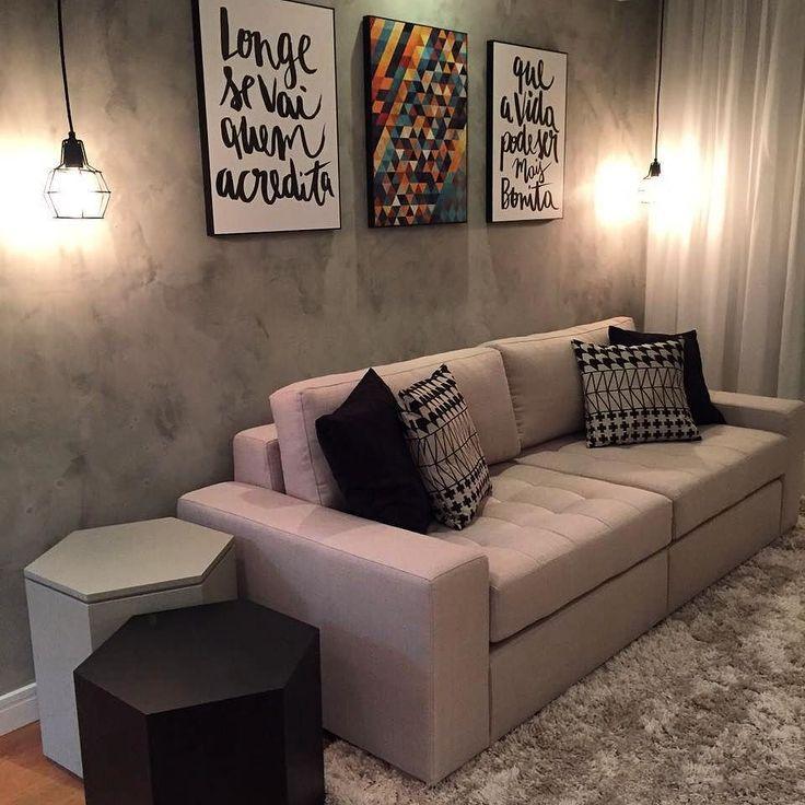 sala compacta com textura de cimento, pendentes, quadros moderninhos. Projeto da @decorechic Jeh Adan em parceria com Manuela Cohen. #saladesigndecor #olioliteam