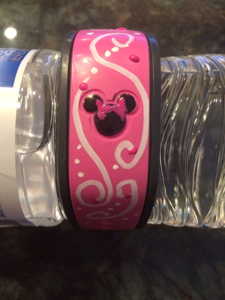 Custom painted Disney Magic bands!