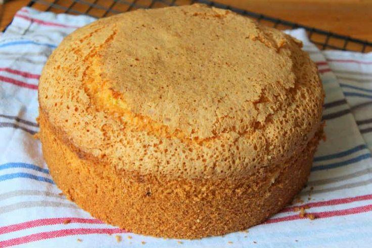 Pandispanya - Nesrin Kismar #yemekmutfak.com Pandispanya yaş pasta kekidir. Görünümüne hayran olduğunuz bütün yaş pastaların tabanı bu kektir. Esnek yapılı bu yağsız pasta kekinin süngerimsi bir dokusu vardır.