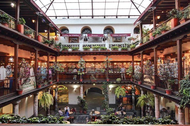 Restaurante Tradicional Ecuatoriano, en  Quito, Ecuador / por Wilo Enríquez