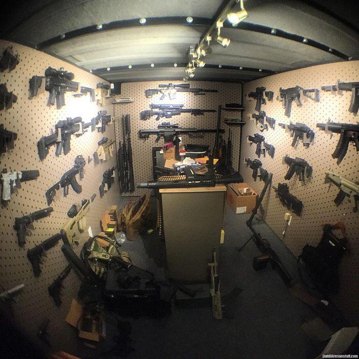 My office is a bit of a mess | Dan Bilzerian: Girls, Guns and Supercars