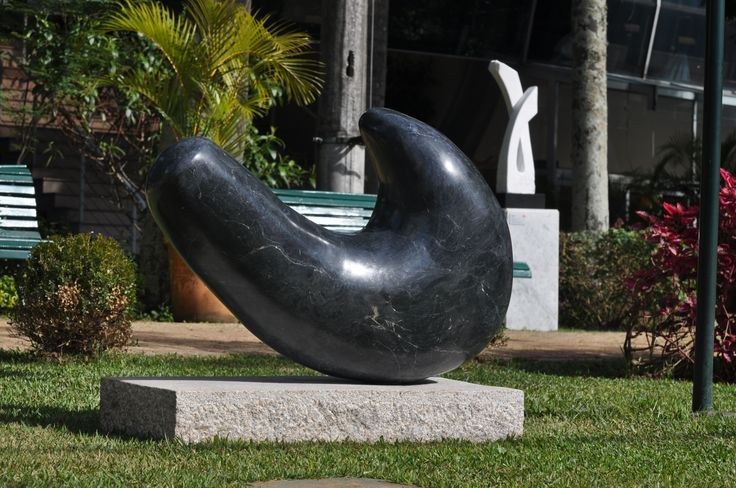 leopoldino de abreu meteor sculpture brazilian black marble 2016 gardens of sculptures