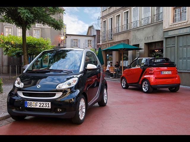 Coffee Time #terrace #coffee #smart #smart451 #black #red #citycar #passion #coupe #cabrio