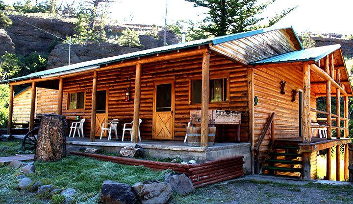 Creekside lodge near yellowstone in wyoming 10 various for Cabins in wyoming near yellowstone
