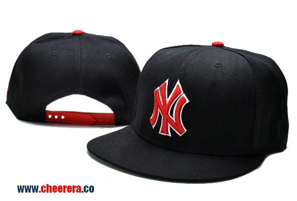 261cc97ce9b MLB New York Yankees Adjustable Snapback Hat in Black with Red Logo ...