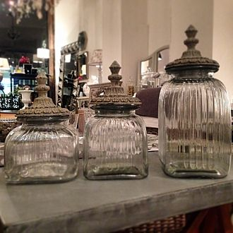 ERNESTINE - Enhance your kitchen with our beautiful jars, ideal to store your pasta, beans, rice, candy, biscuits. #cotetable #kitchendecor #jars #coco4uk #frenchhome