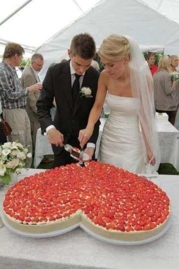 Tartas de boda: Pasteles en forma de corazón (Foto 28/40) | Ellahoy