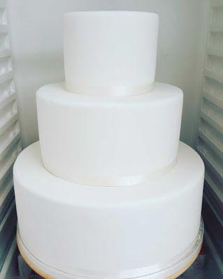 Purppurahelmi: Valkoinen kakku