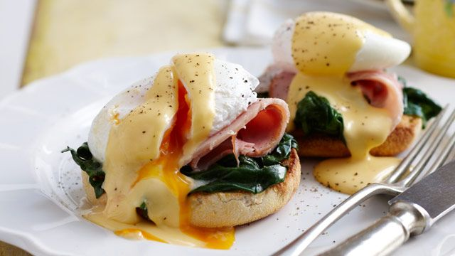 A delicious eggs benedict brought to you by ninemsn.