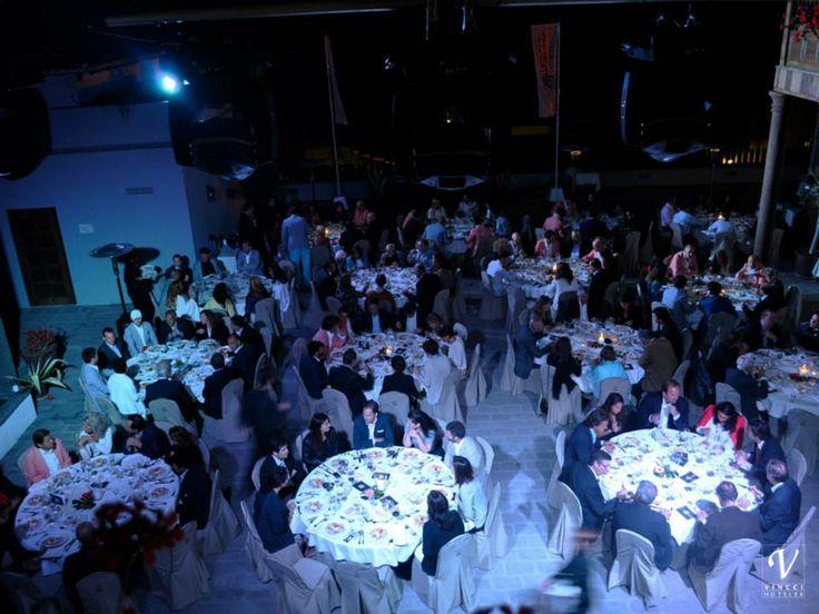 Cena de gala en el hotel Vincci Selección Buenavista Gof&Spa 5*L. Momento de las presentaciones de los dos equipos de la sexta edición del torneo benéfico de golf Salme's Cup. Tuvo lugar este fin de semana en Vincci Selección Buenavista Gol&Spa 5* y en el campo de golf Buenavista! #Tenerife