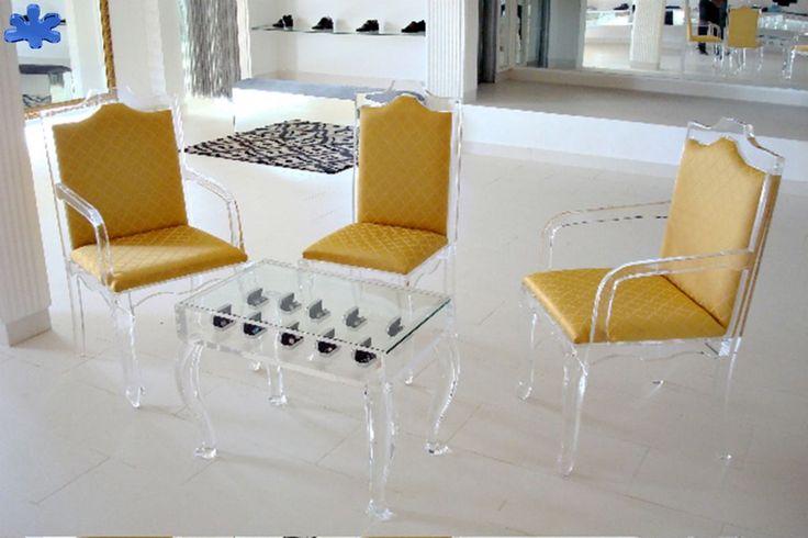 Custom-made Acrylic Chairs and Display Table #plexiglas #perspex #arredamento #eldorado #tavolino #sedie