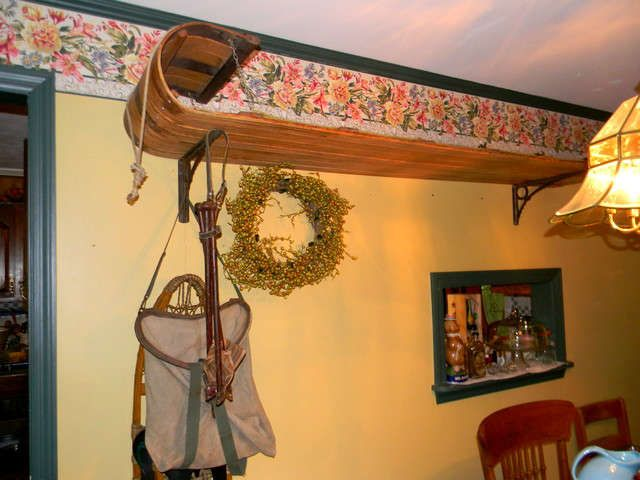 antique sled as a shelf...great idea