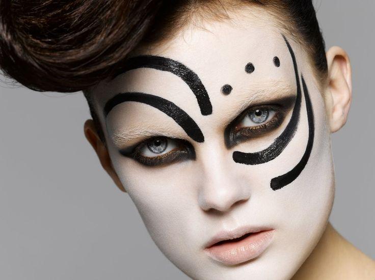Como Hacer un Maquillaje Artístico - Para Más Información Ingresa en: http://pasosparamaquillarse.com/como-hacer-un-maquillaje-artistico/