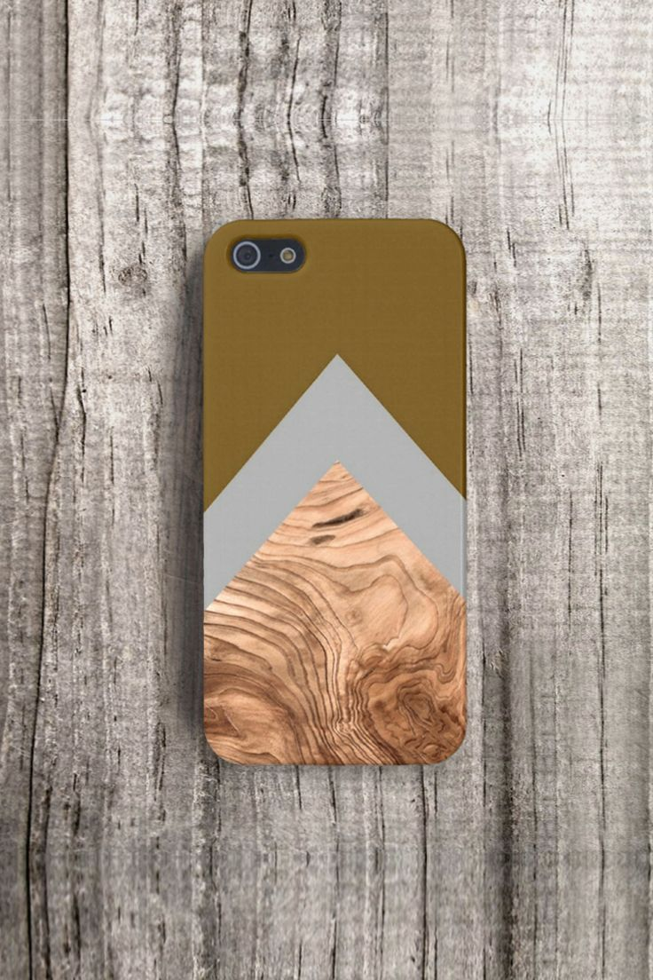 TREND case for iPhone 4/4S, 5/5S & Samsung Galaxy S3/S4. Handmade product by recycled material.