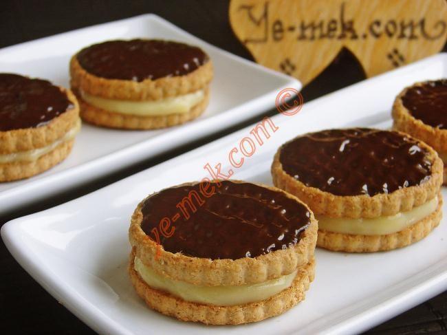 Bisküvili Mini Pastalar Resimli Tarifi - Yemek Tarifleri