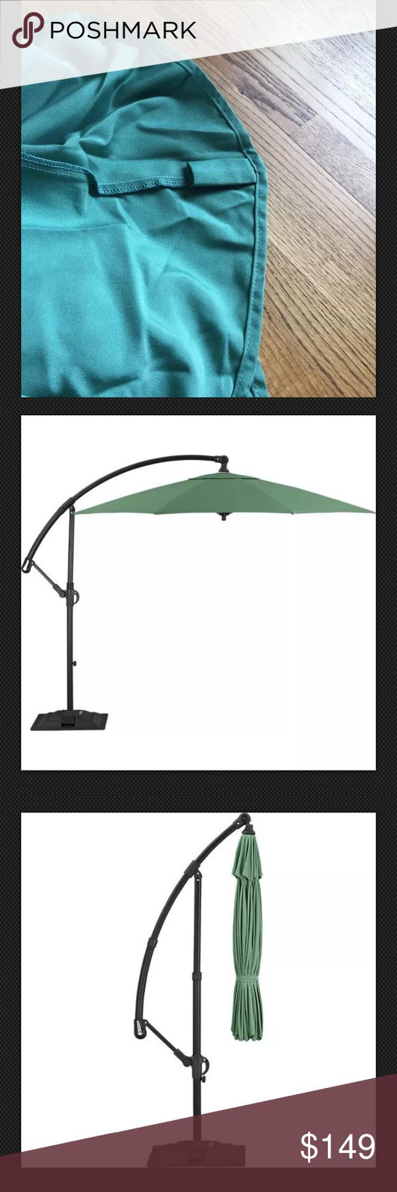 NWT Crate&Barrel 10' Cantilever Sunbrella Umbrella I purchased this from Crate & Barrel and never used it - tag still attached. Retail is $299. This is the umbrella only. Beautiful color green and 10' round. Brand new condition. Item from a pet and smoke free home. H31 Crate&Barrel Other