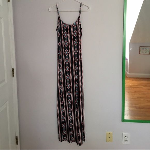 RARE Aztec maxi dress Adjustable Spaghetti strap Aztec maxi dress, flowy and flexible. Perfect for any occasion and perfect condition, never worn🌟💐 very flexible material. Stretches a lot so don't worry if it looks small in the picture! ☺️ 🚫NO TRADES OR LOWBALLS🚫 Dresses Maxi
