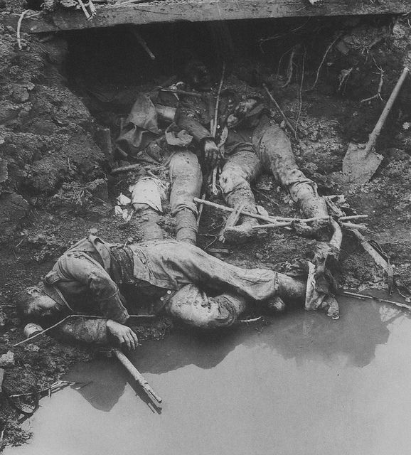 WW1 by Numerius, via Flickr Dead German soldiers. WW I