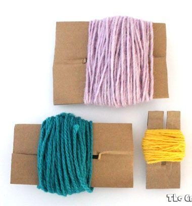 DIY cardboard pom pom maker // Pompon készítő házilag karton papírból egyszerűen // Mindy - craft tutorial collection