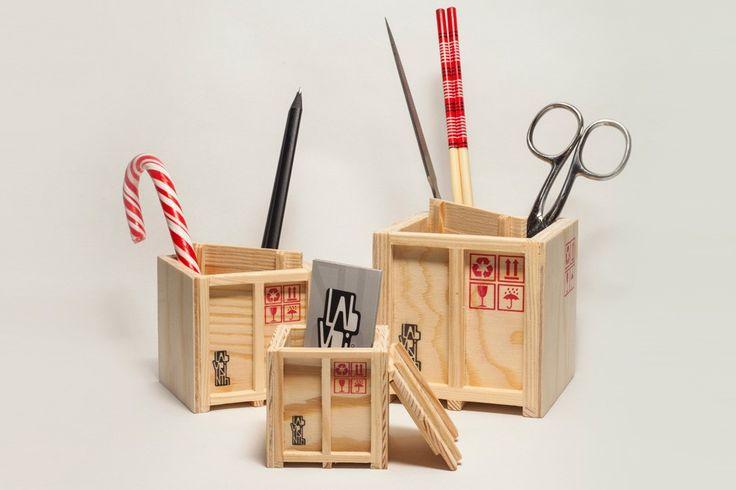 Inbox-–-Set-of-3-designer-shipping-boxes-designboom-08