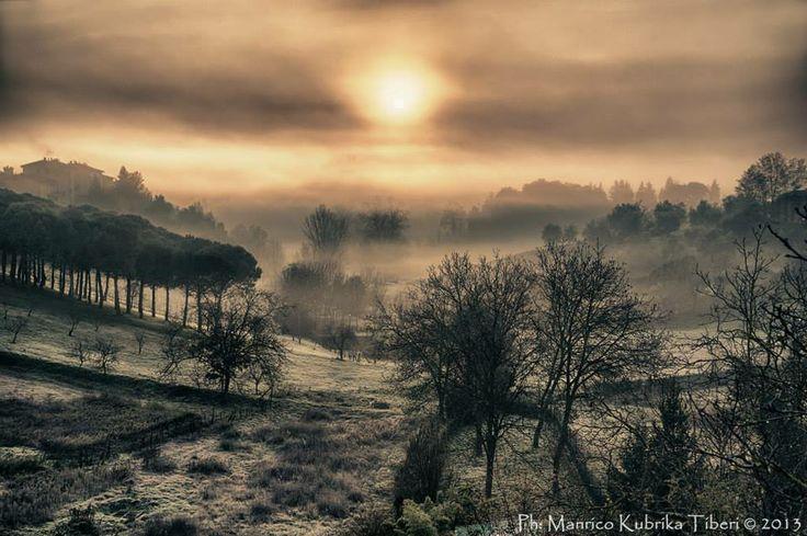 Vista da Porta Pispini verso l'Amiata. Foto di Manrico Kubrika Tiberi su http://www.mktphoto.it/