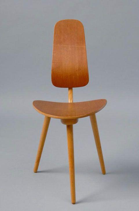 Vintagefrossa i Ikeamöbler! Visste du förresten att Verner Panton har designat en stol för Ikea?