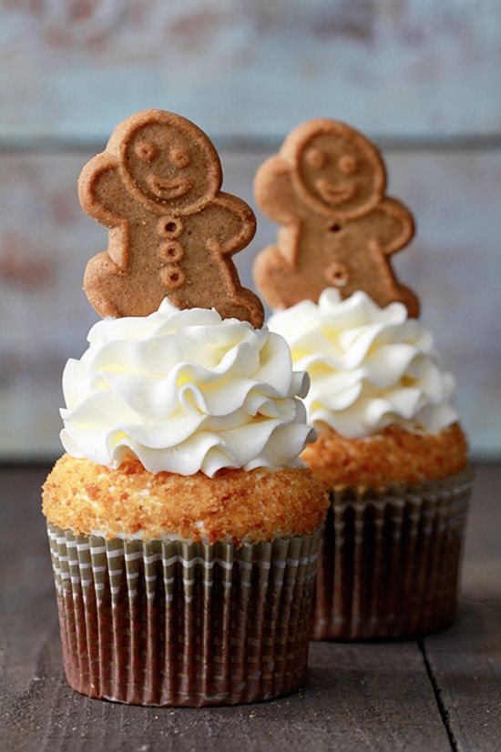 Gingerbread Latte Cupcakes with Lemon Cream Cheese Frosting. #christmas #cupcakerecipes