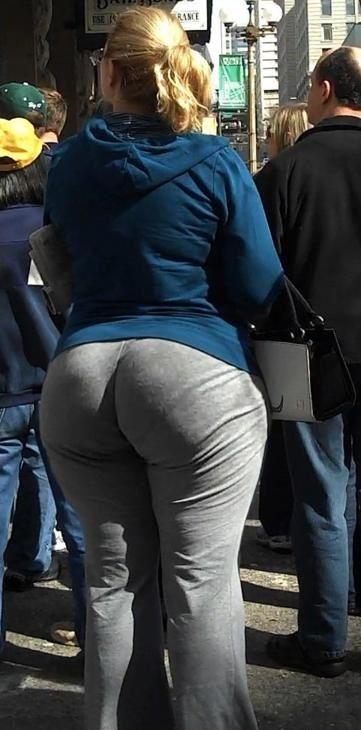 Bubble butt nina kayy eats out big boobed hottie betty bang 4