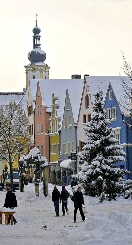 White days in Weiden, Bavaria, Germany (by the-father on Flickr)
