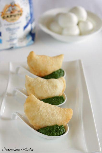 Pasqualina in cucina: Mezzelune alla mozzarella su wasabi di friarielli