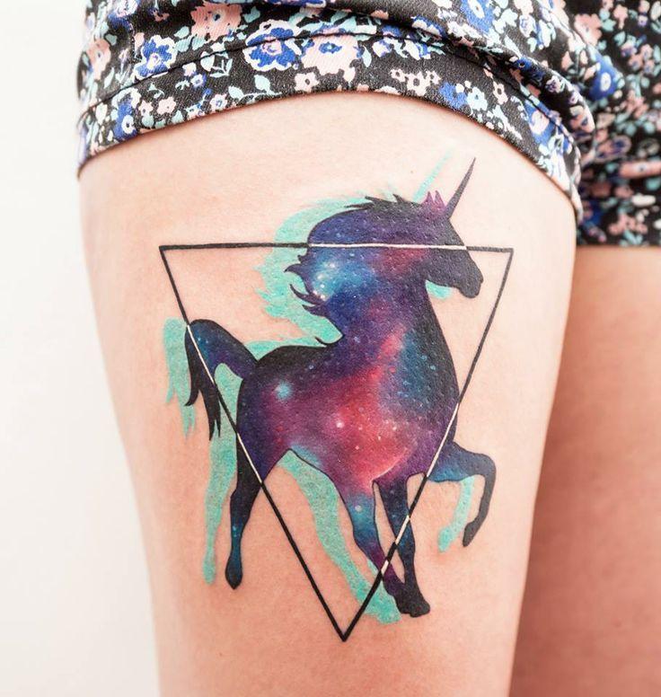52 modèles de tatouage licorne ailé - 2 https://tattoo.egrafla.fr/2016/03/03/modele-tatouage-licorne/