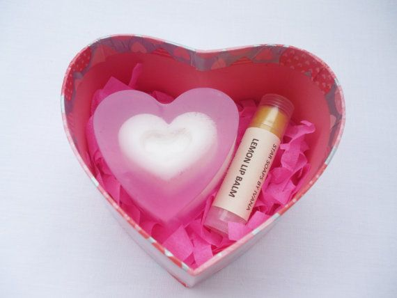 SOAP SET  Handmade heart soap set  Valentines by StarSoapsbyIvana