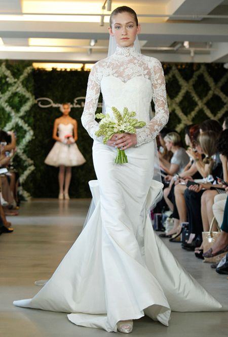 long lace sleeves wedding dress, oscar de la renta.: Wedding Dressses, Share, Dresses Style, Lace Sleeve, Income, Lace Wedding, Wedding Dress Styles, Oscars, Spring 2013
