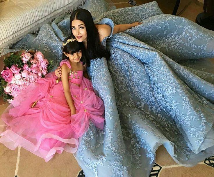 #aishwaryaraibachchan dengan anaknya #aaradhya seperti putri dari cerita dongeng. #zeebioskop . . . .  Tonton terus channel Zee Bioskop di TV berlangganan anda! . . . . #bollywood #instalike #instabollywood #bollywoodmovies #movie #film #bollywoodactor #bollywoodactress #actor #actress #glamour #celebrity http://tipsrazzi.com/ipost/1521616668521224150/?code=BUd3kxThVfW