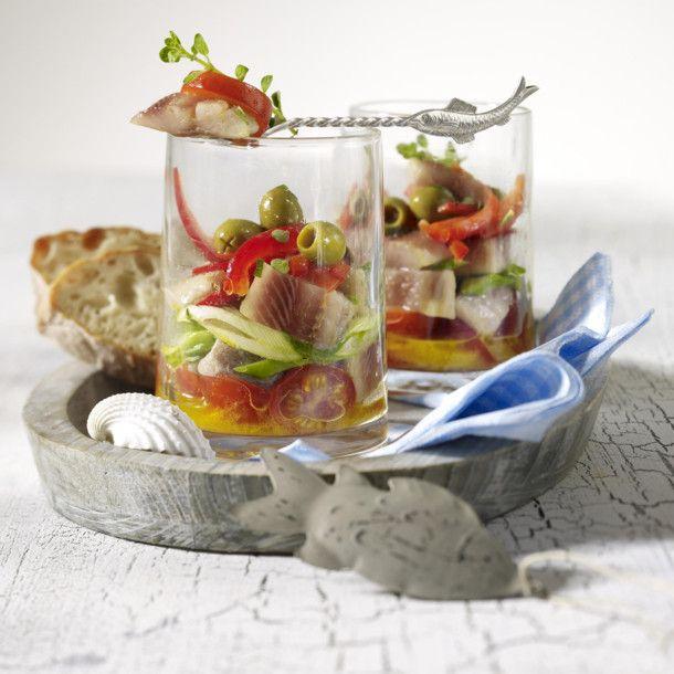 Unser beliebtes Rezept für Matjes mediterran und mehr als 55.000 weitere kostenlose Rezepte auf LECKER.de.
