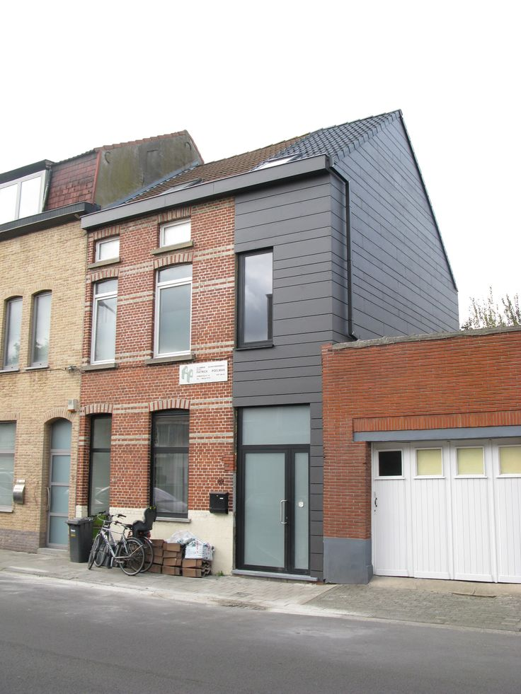 Row house extension clad with fibre cement strokes #eternit - Antico Architecture