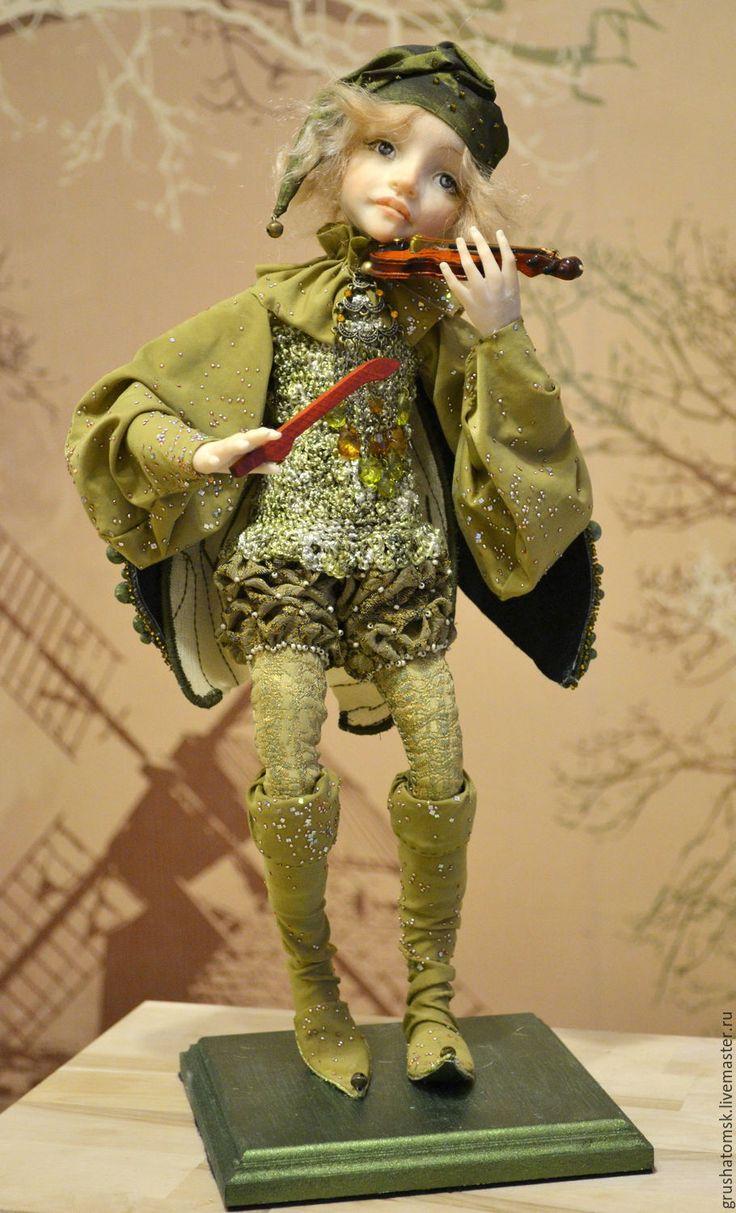 """Купить """"Лесной Эльф"""" - зеленый, скрипач, эльф, сказочный персонаж, музыкант, фимо, бусины"""