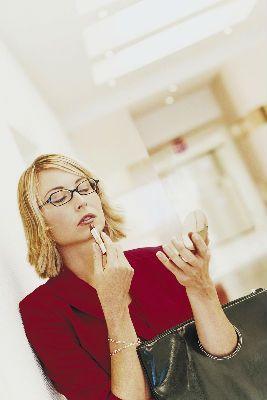 Make-up e occhiali: che fare?