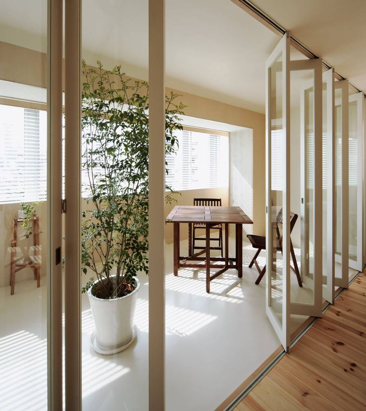 UZU の 北欧風 温室 4階住居/プライベートリビング インナーテラス
