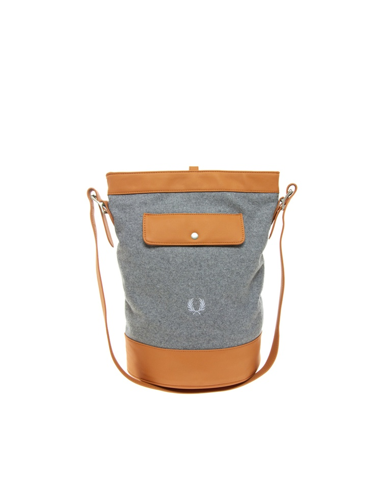 Fred Perry Authentic Bucket Bag: Buckets Bags, Authentic Buckets, Perry Authentic, Bombonera Authentic, Fred Perry, Enlarge Fred, Bucket Bag