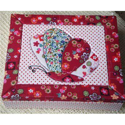 Imagen de http://www.exporosa.net/wp/wp-content/uploads/2011/02/caja-patchwork-embutido.jpg.