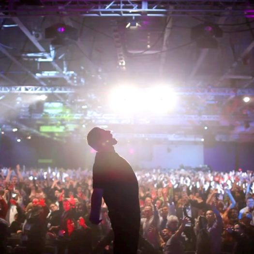 Unleash the Power Within with Tony Robbins, If looking for self improvement and personal growth, this Tony Robbins Seminar is for you. Learn more today!