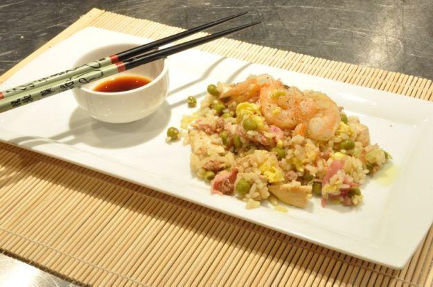 Riso Cantonese, piatto tipico cinese, versione originale